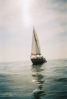 ✕ Sailing… oh, the freedom & beauty of the open waters… / #sailing #summer