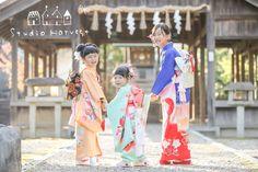 背中で。 の画像|たくさんのえがおをHarvest♪ Geisha, Traditional Kimono, Rite Of Passage, Japanese Outfits, Yukata, Japanese Kimono, Family Photography, Character Inspiration, Handsome
