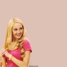 #devil#hate#Ludmila#but#love#Mercedes#blonde#tarantula#singer#dancer#pink
