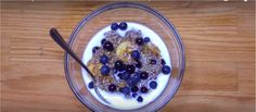 Hurried mornings and busy days deserve an easy breakfast that delivers as much of a nutritional punch as possible. This breakfast recipe is a tasty mix of superfoods and protein-packed grains that … Quinoa Breakfast, Breakfast Recipes, Superfoods, Mornings, Punch, Blueberry, Oatmeal, Grains, Protein