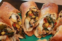 Chili's Southwestern Egg Rolls and other chain restaurant recipes Egg Roll Recipes, Chili Recipes, Mexican Food Recipes, Copycat Recipes, Mexican Dishes, Yummy Recipes, Mexican Candy, Ninja Recipes, Drink Recipes