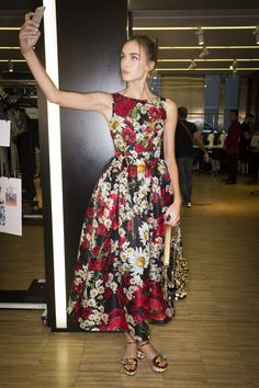 Dolce & Gabbana Spring 2016 Ready-to-Wear - The print is simply  amazing especially on the cut of the dress and choice of fabric