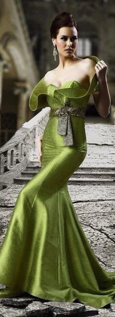 Glamour looks eloquent but seldom talks. Evening Dresses, Green Fashion, Women, Green Dress, Fashion, Glamour, Pretty Dresses, Blouse, Fashion Gowns
