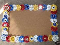 5 DIY Ideas for Displaying Horse Show Ribbons - Savvy Horsewoman Horse Ribbon Display, Show Ribbon Display, Horse Show Ribbons, Ribbon Projects, Ribbon Crafts, Diy Crafts, Diy Ribbon, Diy Projects, Ribbon Quilt