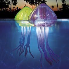 Lampade galleggianti a forma di medusa