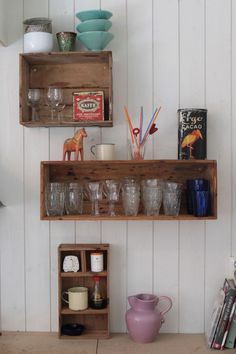 I just love the worn out, simple and cheap idea of making shelves out of old wooden crates. The ones on the left are from Dellas room and the other one is from our new kitchen in our cottage. We have just started to renovate the cottage and the kitchen is far from ready but…