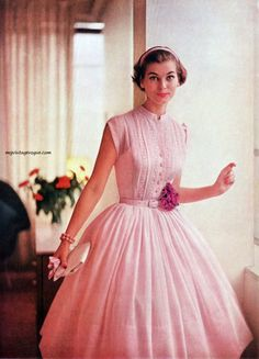 1950 Vintage Vogue - 1956 R & K Originals - Model Jan Rylander Vintage Vogue, Vintage Glamour, Vintage Beauty, Vintage Pink, French Vintage, 1950s Fashion Dresses, Fifties Fashion, Retro Fashion, Vintage Fashion