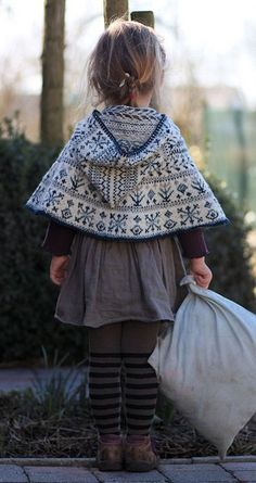 fair isle cape ~ Is it sad that children's clothes make me want to have children NOW. Fashion Kids, Look Fashion, Girl Fashion, Babies Fashion, Fashion 2020, Fashion Shoes, Cape Pattern, Fair Isle Knitting, Knitting For Kids