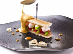 Michelin Food, New Menu, Food Plating, Hot Dog Buns, Sandwiches, Tasty, Bread, Dishes, Cooking