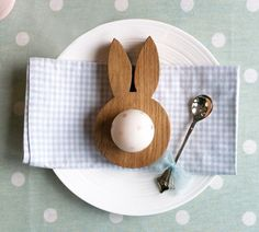 Darling egg holder