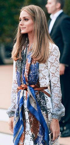 Street styles | Belted lace shirt and printed scarf.