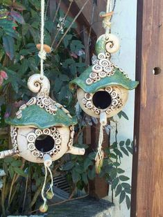 8 celebrities who are not afraid to wear the same clothes in public and we admire them - Best DIY and Crafts Ideas Ceramic Birds, Ceramic Clay, Ceramic Pottery, Ceramic Bird Houses, Ceramics Projects, Clay Projects, Paper Clay, Clay Art, Clay Fairy House