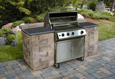"""Learn additional relevant information on """"built in grill patio"""". Visit our site. Outdoor Kitchen Grill, Outdoor Grill Area, Outdoor Grill Station, Outdoor Cooking Area, Outdoor Barbeque, Patio Grill, Diy Grill, Outdoor Kitchen Countertops, Outdoor Kitchen Design"""