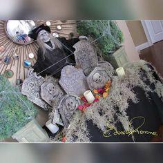 Waiting for #Halloween Trick or Treat?   #halloween #halloweendecor #decor #monstober #trickortreat #party #halloweenparty #halloweencelebration #eventdesign  #design #fiestas #party #orlando #florida #orlandoflorida