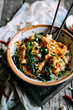 These 15-Minute Hot Oil Noodles are beyond easy to make. Here's the basic gist: You boil some noodles and veggies in the same pot, throw them in a bowl with some seasonings...