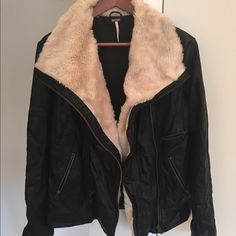 Free People Vegan Leather Jacket Shearling Collar GORGEOUS, like-new Free People Vegan Leather Jacket w. Shearling Collar - XS Black vegan leather with super, soft, cozy, perfect for spring shearling collar and zipper lining (along front) - lots of cool zipper detailing - worn only a few times! Free People Jackets & Coats
