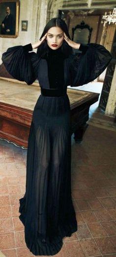 Smartologie: Shanina Shaik for Vogue India December 2012 Fashion Mode, Dark Fashion, High Fashion, Gucci Fashion, Looks Street Style, Looks Style, Vogue India, Looks Black, Mode Inspiration