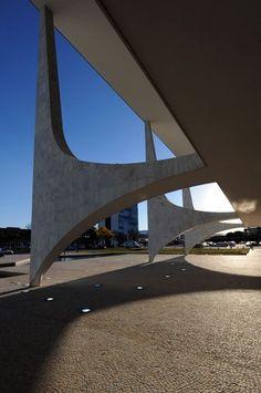 Palácio do Planalto / Planalto Palace, workplace of the president of Brazil, Brasilia by Oscar Neimeyer :: 1960