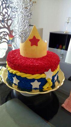 Pastel oreo de la mujer maravilla Baby Wonder Woman, Cake, Tips, Party, Desserts, Food, Women, Oreo Cake, Wonder Woman