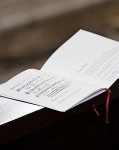 Seiten Ihres Kirchenhefts anlegen - Wenn Sie Ihre Druckvorlage am Computer erstellen, stellt sich oft die Frage, in welcher Reihenfolge die einzelnen DIN-A5-Seiten auf einer DIN-A4-Seite angelegt werden müssen, damit sie nach dem Zusammenlegen und Falzen in der richtigen Reihenfolge erscheinen.