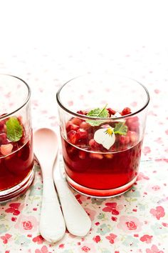 Blood orange & pomegranate jellies sprinkled with mint & pansies    http://www.redonline.co.uk/food/recipes/pomegranate-jelly