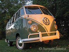 10 Vintage and Retro VW Campervan Images