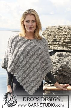 Diy Crafts - Ravelry: Poncho pattern by DROPS design Poncho Knitting Patterns, Knitted Poncho, Knitted Shawls, Free Knitting, Crochet Patterns, Diy Crafts Knitting, Ladies Poncho, Drops Design, Knitted Headband