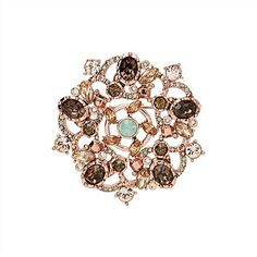 I say we bring broaches back ladies! Unique Bags, Grace Kelly, Ring Designs, Muse, Lady, Brooches, Rings, Pretty, Accessories