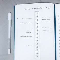 I love Minimalist Bullet Journal Spreads. They are so easy to recreate and nice to look at.I consider myself a 'bullet journal minimalist' as I like to Keep things simple and functional in my BuJo. Bullet Journal Year, Bullet Journal Planner, Bullet Journal Hacks, Bullet Journal Ideas Pages, Journal Themes, Bullet Journal Inspiration, Journal Pages, Bullet Journals, Bullet Journal Reading Log