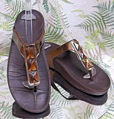 FITFLOP BROWN THONG TOE SLIDES SLIP ONS FLIP FLOP SANDALS SHOES US WOMENS SZ 10 #FitFlop #SportSandals #Casual