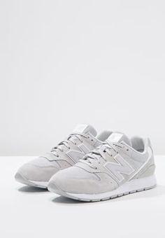 Dieser Schuh verleiht dir bei jedem Schritt mehr Coolness. New Balance MRL996 - Sneaker low - concrete für 65,95 € (02.08.16) versandkostenfrei bei Zalando bestellen.