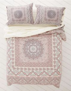Couette Boho - Urban Outfitters Brown Bed Linen, Neutral Bed Linen, Neutral Bedding, Linen Bedding, Pottery Barn Teen Bedding, Urban Outfitters, Bed Sheets, Cozy Room, Bed Drapes