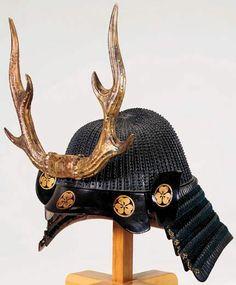 Sixty-four-plate koboshi-bachi [helmet bowl with small standing rivets] of… Samurai Helmet, Samurai Weapons, Samurai Armor, Arm Armor, Japanese Mask, Japanese Warrior, Kendo, Muromachi Period, Battle Dress