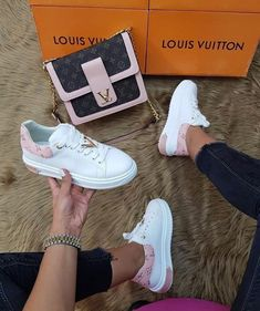 Louis Vuitton Sneakers / Only Me 💋💚💟💖✌✔👌💙💚 xoxo: Louis Vuitton keeps on inventing itself and is successful because it adapts to the need of its customers. Louis Vuitton knows how to innovate and stay true to their classic traditions at t. Louis Vuitton Sneakers, Louis Vuitton Handbags, Louis Vuitton Neverfull, Louis Vuitton Monogram, Sneakers Fashion, Fashion Shoes, Sacs Louis Vuiton, Aesthetic Shoes, Fresh Shoes