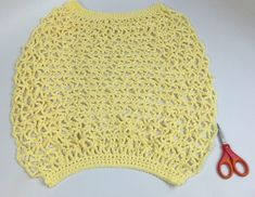 Introducing a crochet large market bag that has an interesting shape and lots of great advantages. The tutorial will help you with this crochet stitch. Joining Yarn Crochet, Knit Or Crochet, Single Crochet, Crotchet Bags, Knitted Bags, Crochet Handbags, Crochet Purses, Crochet Crowd, Crochet Market Bag