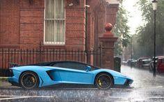 Lamborghini Aventador, rain. Follow @y_uribe for more pics.