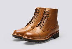 Die Geschichte von Grenson Shoes begann Mitte des 19. Jahrhunderts im britischen Northamptonshire. Während der beiden Weltkriege wurden britische Soldaten unter anderem mit den Schuhen von Grenson ...