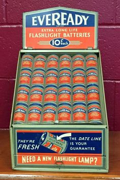 Original Eveready Flashlight Batteries Advertising Display Jump A Car Battery, Lead Acid Battery, Vintage Oil Cans, Garage, Diy Car, Gas Station, Display Case, Facebook Sign Up, Vintage Signs