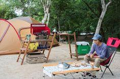 キャンプの楽しみのひとつ、料理。家での料理よりもよっぽどこだわっている方もちらほら。だけど家で行う調理よりも設備が整っていないのはもったいない!よりキャンプ料理を充実させるためにジャストフィットするキッチンスタンドをDIYしてみました!
