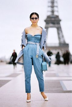 Pair a grey coat with a light blue jumpsuit to showcase your styling smarts. Give your look a dash of refinement by sporting a pair of white leather pumps. Fashion Week Paris, Jeans Overall, Russia Fashion, Indigo, Blue Jumpsuits, Playsuits, Denim Jumpsuit, Overalls, White Pumps