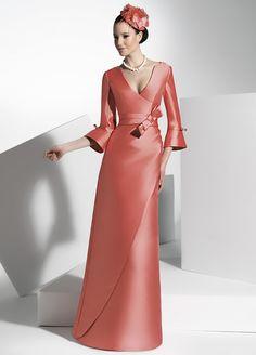 Vestidos para Madrinas de Boda complementado con tocado - Pronovias