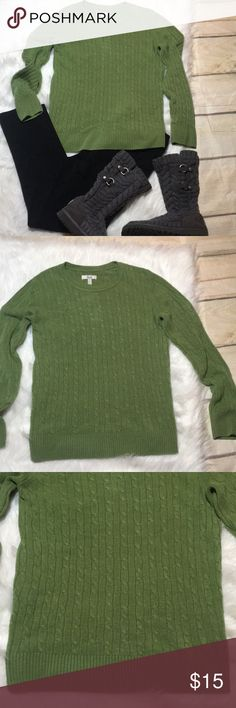 """Cozy Cable Knit Bass Sweater Green Large Women's Cozy Cable Knit Bass Sweater Green Large Women's. 100% acrylic - measures approx 17"""" underarm to underarm, 24"""" Long, 18"""" Sleeve Length. Some pilling. Bass Sweaters Crew & Scoop Necks"""