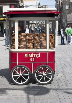 Ístiklal Caddesi Simit Cart, Istanbul