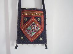 Ethnic shoulder bag made in India decorated by elephantsofindia