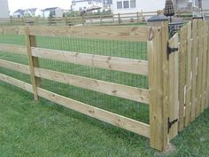 dog fence/horse pen - this would be great to fence in the half acre behind the h. dog fence/horse pen – this would be great to fence in the half acre behind the house. Small Fence, Front Yard Fence, Diy Fence, Backyard Fences, Garden Fencing, Fenced In Yard, Fence Ideas, Fence Landscaping, Fence Gate