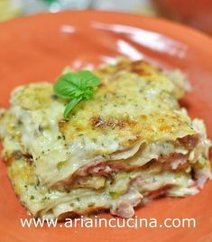 Lasagne con pesto leggero, mozzarella e prosciutto cotto Veggie Recipes, Wine Recipes, Pasta Recipes, Cooking Recipes, Lasagne Pesto, Lasagna Vegetariana, Pesto Mozzarella, Confort Food, Prosciutto Cotto