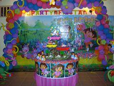 Dora Birthday Party Decoration by Ƹ̵̡Ӝ̵̨̄Ʒ ♥ Yomi ♥ Ƹ̵̡Ӝ̵̨̄Ʒ, via Flickr and more party decorations and buffet table