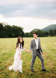 Beautiful picture and so nice arms on this vintage dress. Upstate New York Outdoor Wedding