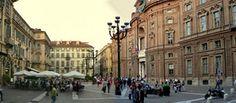 Piazza Carignano con l'omonimo palazzo sulla destra © Mauro Piumatti