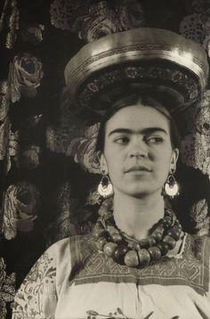 Frida Kahlo por Carl Van Vechten, 1932.